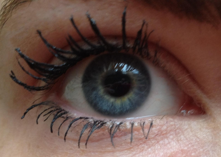 Rimmel Scandaleyes Mascara in Extreme Black Review